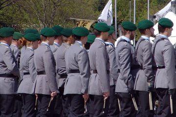Karriere als Offizier